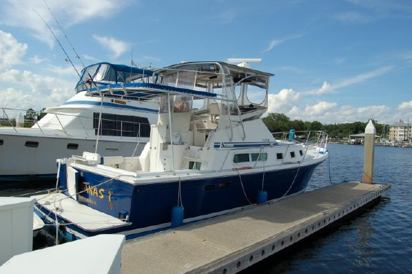 32′ Albin 32 plus 2 Command Bridge 1999 Yanmar Diesel $ 89,000