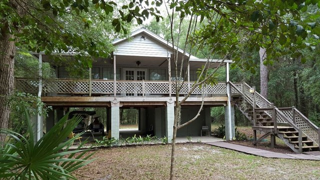 MLS#772958 Beautiful retirement living or a weekend getaway. Home overlooks the …