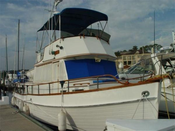 36′ Grand Banks Classic 36  New arrival Year: 1978 $ 69,950