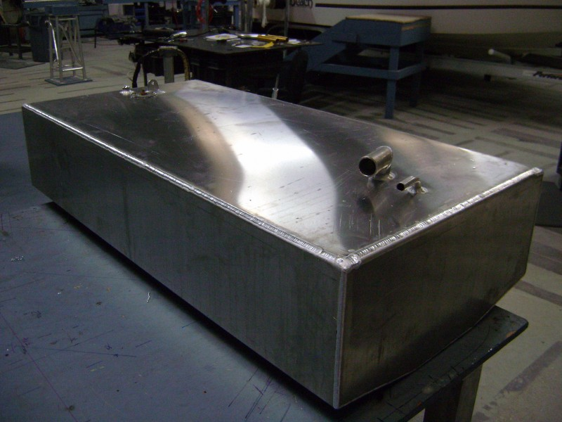Aluminum fuel cells