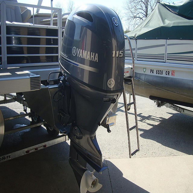 Slightly Used Yamaha F115XB 115HP 4 Stroke Outboard Motor Engine