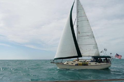 **Edwards Yacht Sales Newsletter*    Power and Sail Boats for sale