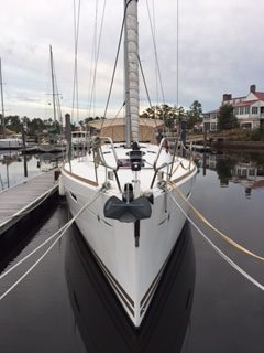 Jeanneau Sun Odyssey 439 la Vie is a well equipped, clean and regularly maintained 2013