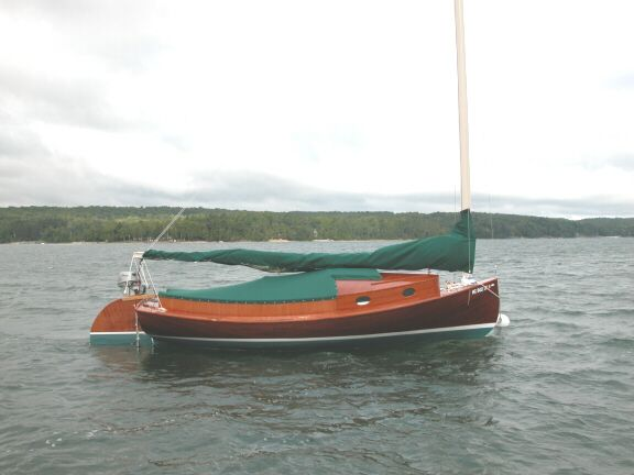 "2003 24′ REPLICA OF AN 1887 H. MANLEY CROSBY PARTY CATBOAT ""CAT N ROUND"" $32,900"